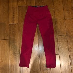 Lululemon red cropped leggings with pockets